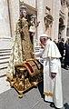 Papa Francesco e la Madonna del Carmine di Mottola.jpg