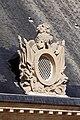 Paris - Toiture de la cour d'honneur des Invalides - Lucarne ornée de trophés d'arme - 0014.jpg