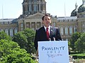 Pawlenty campaign kickoff in Des Moines 012 (5752167469).jpg