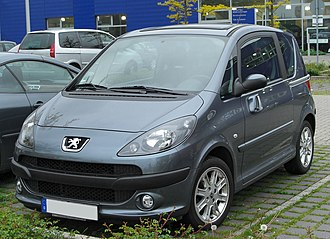 Peugeot 1007 - Image: Peugeot 1007 front 20100513