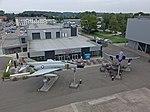 Phantoms vor Hangar 10 (37088507863).jpg