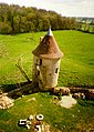 Photo aérienne du château ferme ? près de Nohan, France.jpg