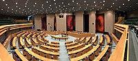 Plenaire zaal Tweede Kamer - panorama.jpg