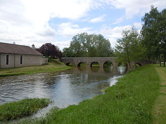 Ouche - Bridge over Ouche river in Fleurey-sur-Ouche