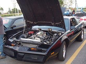 Pontiac Firebird (third generation) - Image: Pontiac Firebird Trans Am (Auto classique Bellepros Vaudreuil Dorion '11)