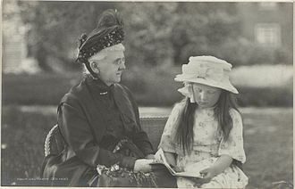 Juliana of the Netherlands - Queen Emma and Princess Juliana in 1920.
