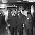 Prins Bernhard in gezelschap van de Rotterdamse burgemeester Wim Thomassen, Bestanddeelnr 919-5926.jpg