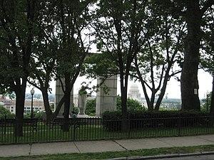 Prospect Terrace Park - Image: Providence Prospect Park Monument Statehouse