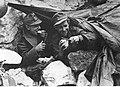 Prymitywny szałas żołnierzy niemieckich na froncie pod Monte Cassino (2-2137).jpg