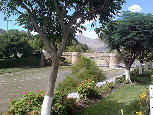 Huánuco - Image: Puente Calicanto panoramio