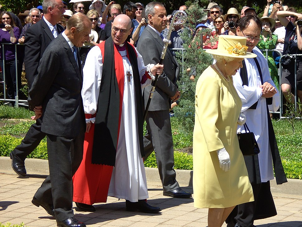Queen Elizabeth and Prince Phillip with Canberra Anglicans 23Oct11