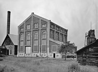 Quincy Mine No 2 Hoist House 1978.jpg