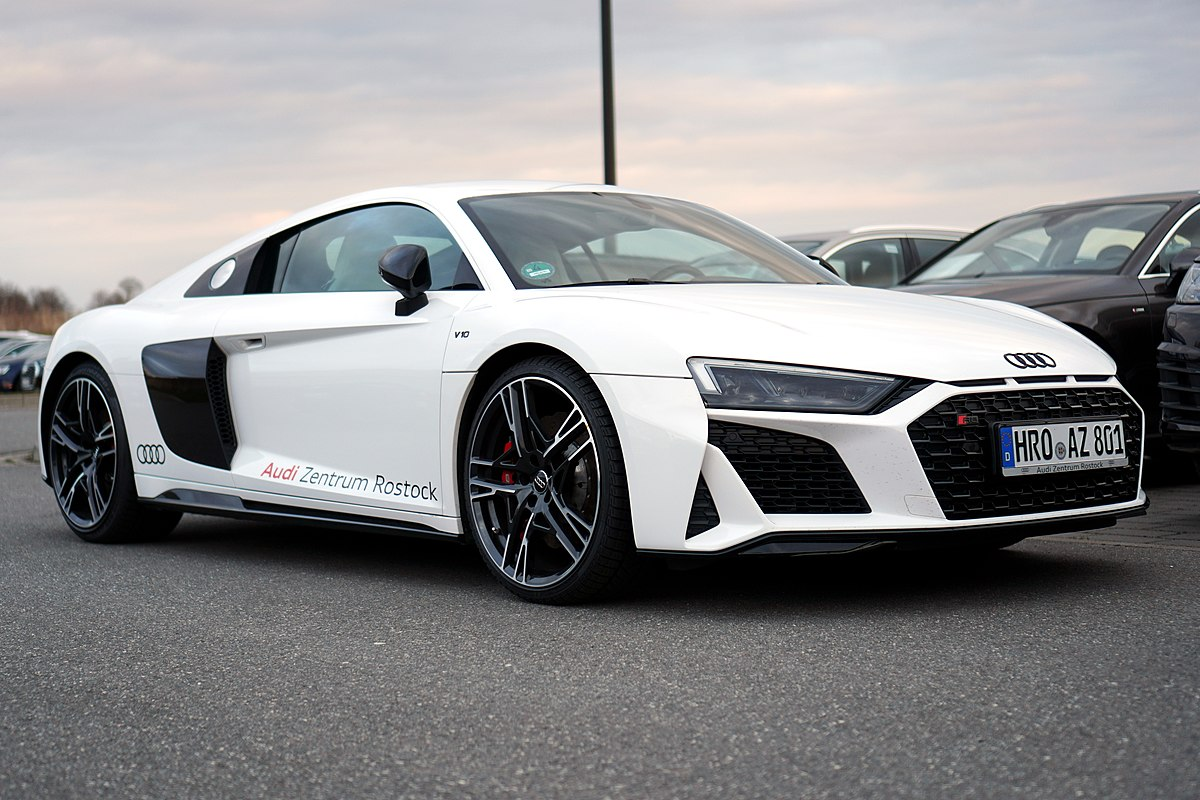 Kekurangan Audi A10 Perbandingan Harga