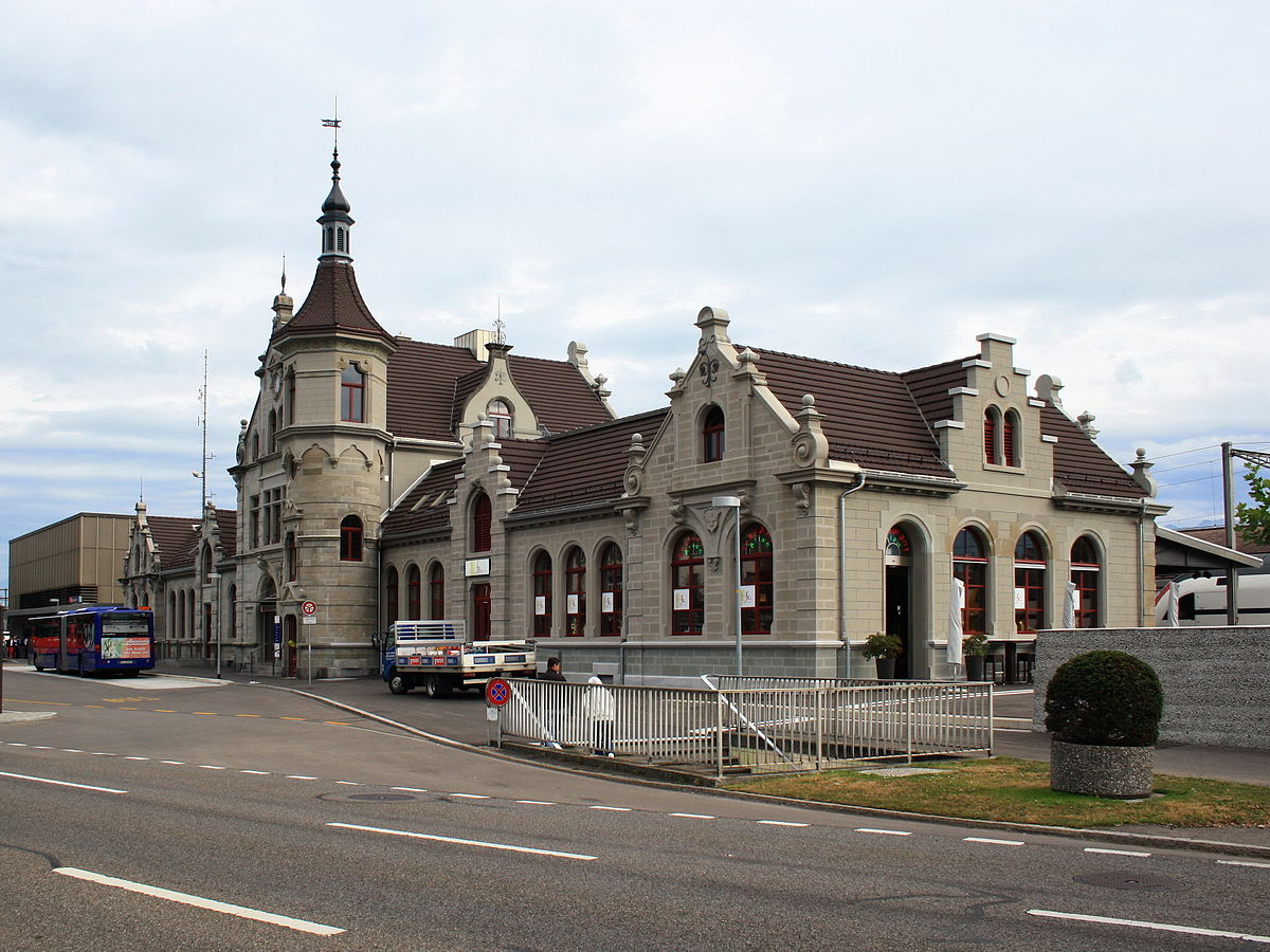 Rapperswil railway station - Wikipedia