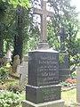 Robert Kübel Stadtfriedhof Tübingen.jpg