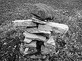 Rock balancing 046 366 (25134478123).jpg