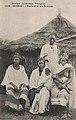 Sénégal-Traitant et ses femmes (AOF).jpg