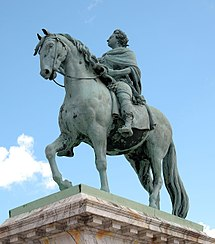 Salys statue of Frederik V crop and adjust.JPG