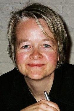 Sarah Waters (cropped2).jpg