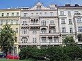 Sbírka balkonů na jednom domě. - panoramio.jpg