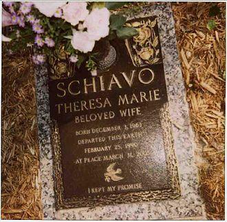 Terri Schiavo case - Schiavo's gravemarker