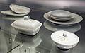 Servies Wilma met slingerdecor05, ontwerp E Bellefroid, geproduceerd door Mosa vanaf 1958 (collectie H v Buren, Maastrichts aardewerk, Centre Céramique, Maastricht).JPG