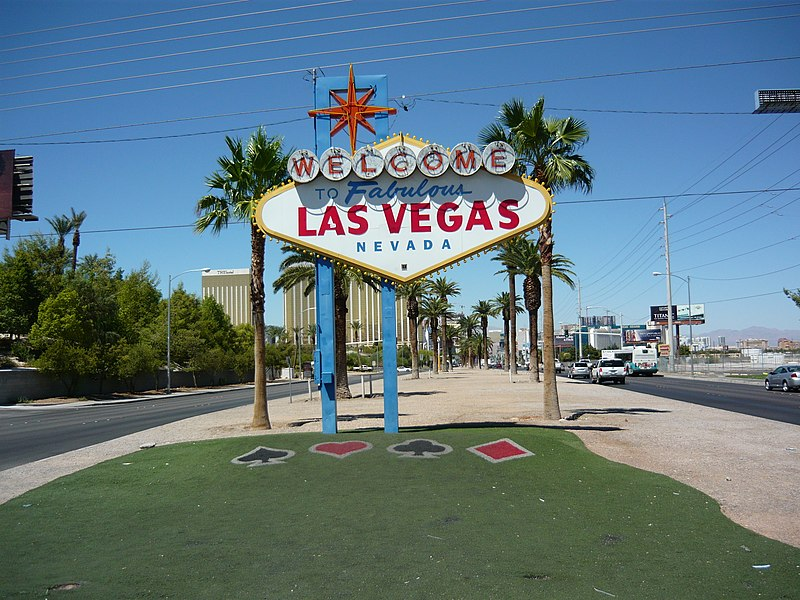 Datei:Shield at the entry of the american city Las Vegas.jpg