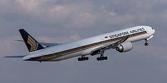 Singapore Airlines Boeing 777-312 ER 9V-SWB MUC 2015 02.jpg
