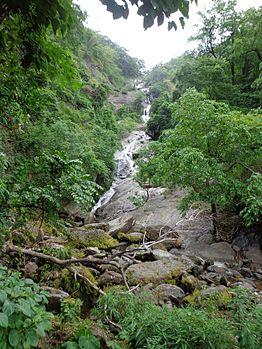 Siruvaani Waterfalls.jpg