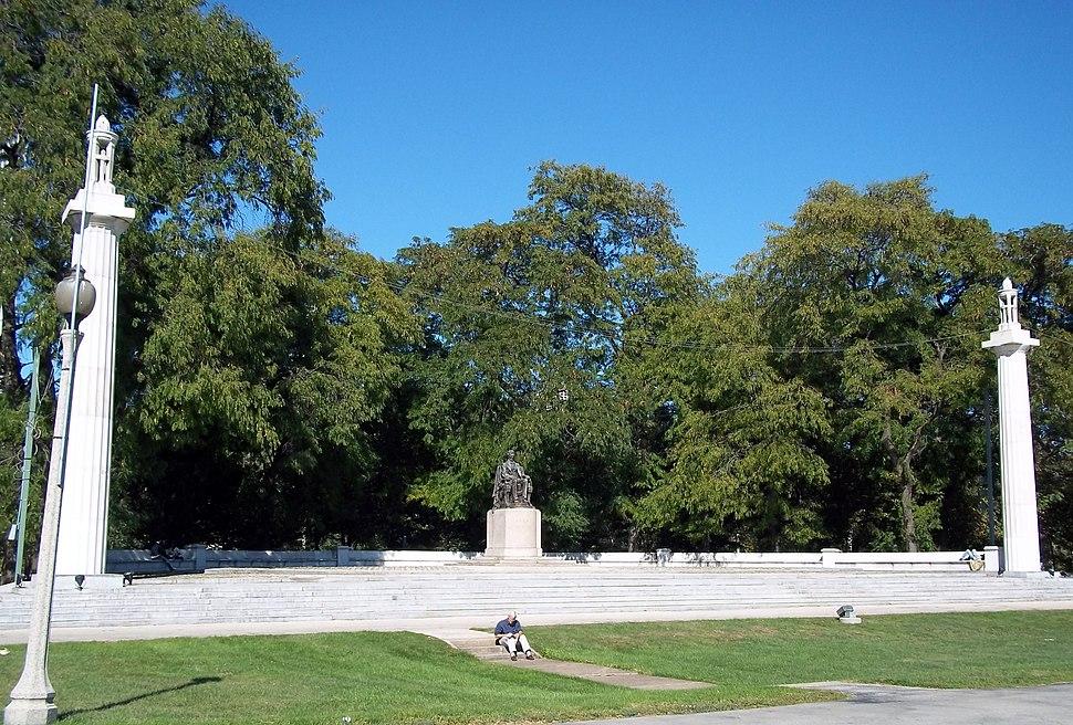 Sitting Lincoln Grant Park