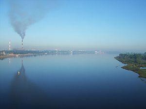 Загрязнение атмосферы Земли Википедия Загрязнение атмосферы промышленными выбросами в Нижнем Новгороде