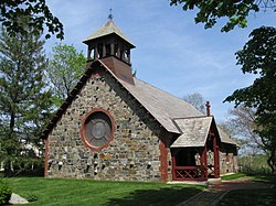 St. Andrew's-by-the-Sea chapel, Rye, New Hampshire (May 30 2011).jpg