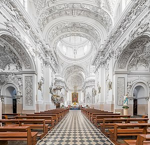Church of St. Peter and St. Paul, Vilnius - Central nave looking north-east towards the altar