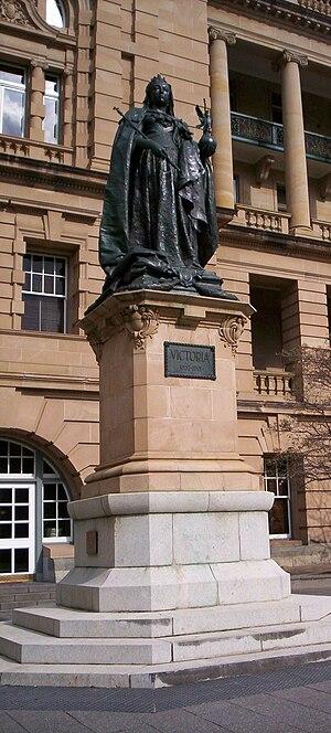 Queens Gardens, Brisbane - Statue of Queen Victoria, 2005