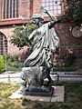 Statue beside Nikolai kirche.jpg