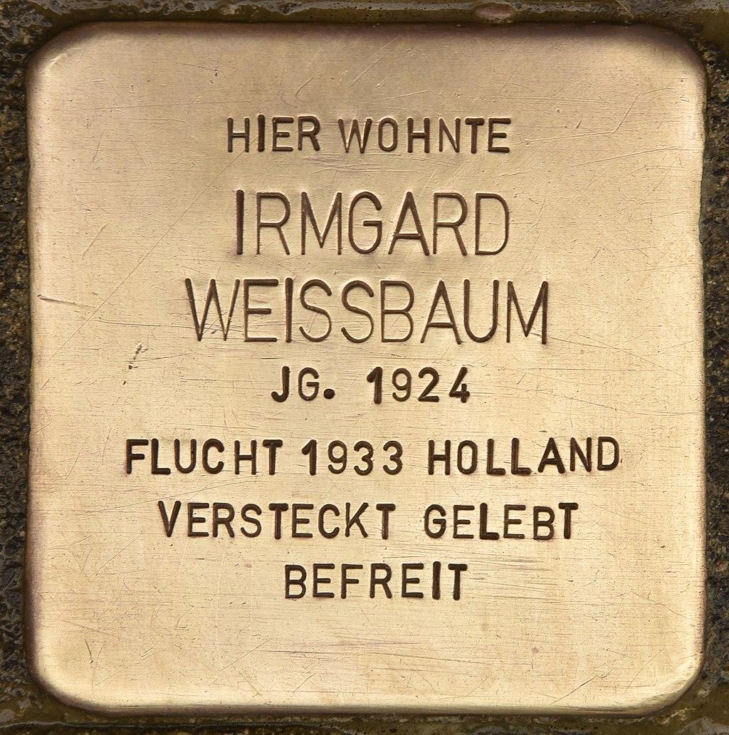Stolperstein für Irmgard Weissbaum (Neumünster).jpg