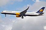TF-ISL Boeing 757 Icelandair (14522020059).jpg