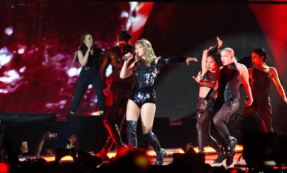 Taylor Swift Sports Authority Field 05.25.18 (40569473010)