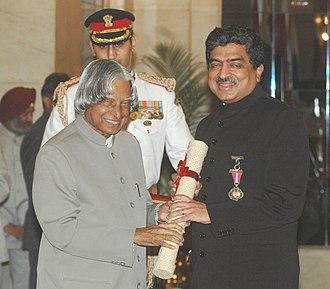 Nandan Nilekani - The President, Dr. A.P.J. Abdul Kalam presenting the Padma Bhushan Award – 2006 to Shri Nandan Mohan Nilekani, one of the founders of Infosys, in New Delhi on March 20, 2006