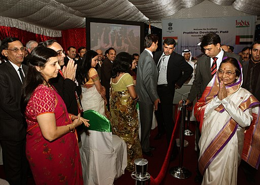 The President, Smt. Pratibha Devisingh Patil meeting the Indian Community at a Reception, hosted by the Indian Ambassador to UAE, Shri M.K. Lokesh at India Club, in Dubai on November 23, 2010