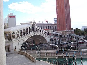 The Venetian Las Vegas - Image: The Venetian LV bridge