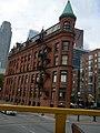 Toronto Thin Building - panoramio.jpg