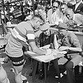 Tour de France , W van Est tijdens tijdrit (er voor), Bestanddeelnr 911-3754.jpg