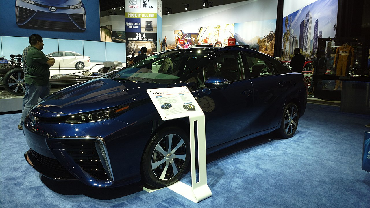 Should Tesla Be Worried About Toyota's New Gasless Car ...