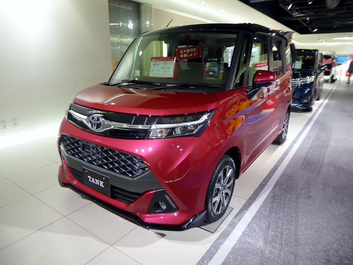 Toyota TANK CUSTOM G-T (DBA-M900A-BGBVJ) front.jpg