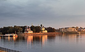 Uglich View of the Kremlin IMG 1314 1725.jpg