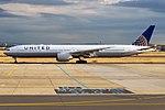 United Airlines, N2747U, Boeing 777-322 ER (43438553930).jpg