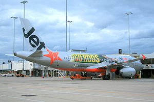 Jetstar Airways - Jetstar Airbus A320-232 VH-VQH with special decals to advertise the ''Kangaroos'' Australian Rugby League team and its participation in the 2008 World Cup