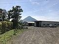 View of Mount Kaimondake in front of Nishi-Oyama Station.jpg
