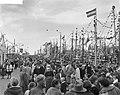 Visserijdag 1961 in Urk Het uitvaren van de vissersvloot, Bestanddeelnr 912-3508.jpg